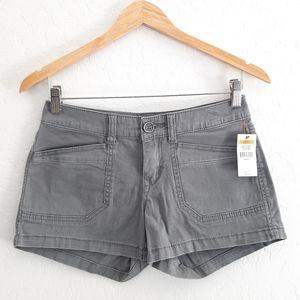 NWT UNIONBAY Light Wash Gray Midi Denim Shorts 3
